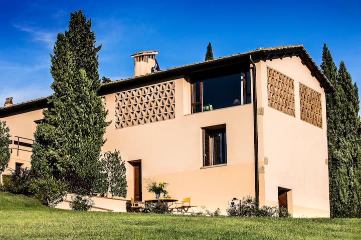 FABULOUS 3BR BARN WITH 360° VIEWS! - San Gimignano - House