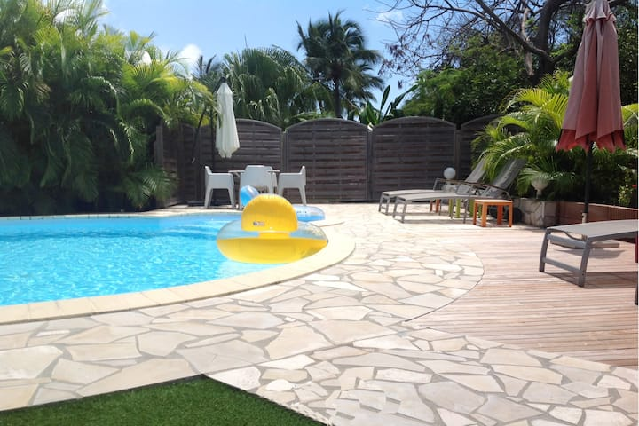 Beautiful villa with swimming pool (GPSF38)