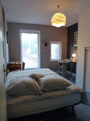 Chambre privée en val de Loire (avec coin cuisine)