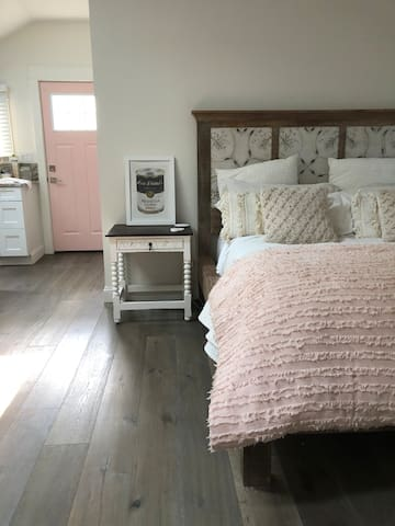 Queen size bed + 2 bedside tables
