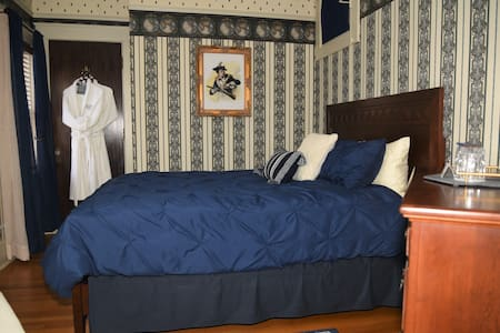 Empire Guest Room