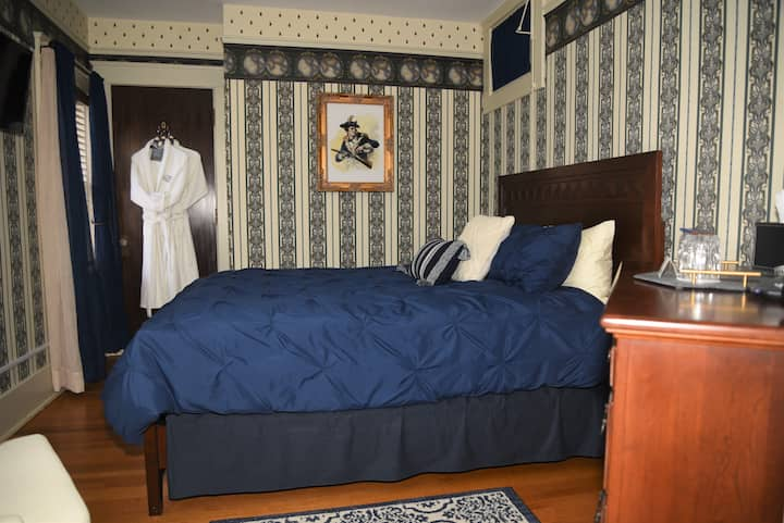 Herkimer Bed&Breakfast Near Cooperstown- Queen Bed