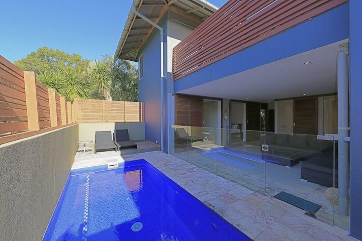 Sandcastles 1770 3 Bedroom Beach Home with Pool