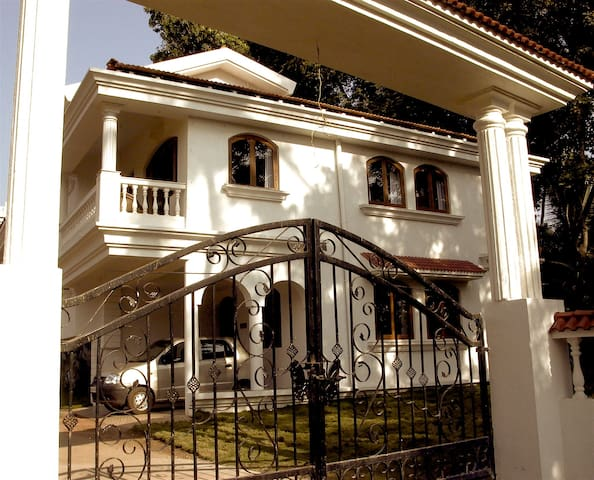 villa i Nerul Paradise