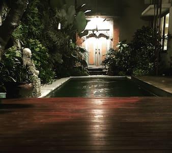 Lovely 1 BDR villa + Pool +Wifi. - Denpasar
