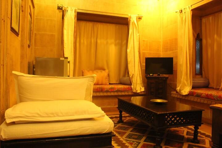 Rose Themed Room near Jaisalmer Fort!