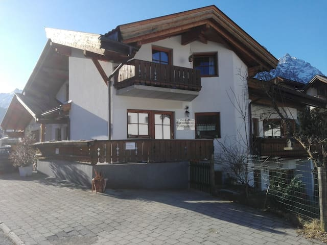 VILL-ORKA holiday  Apartment type-U - Ehrwald - Huoneisto