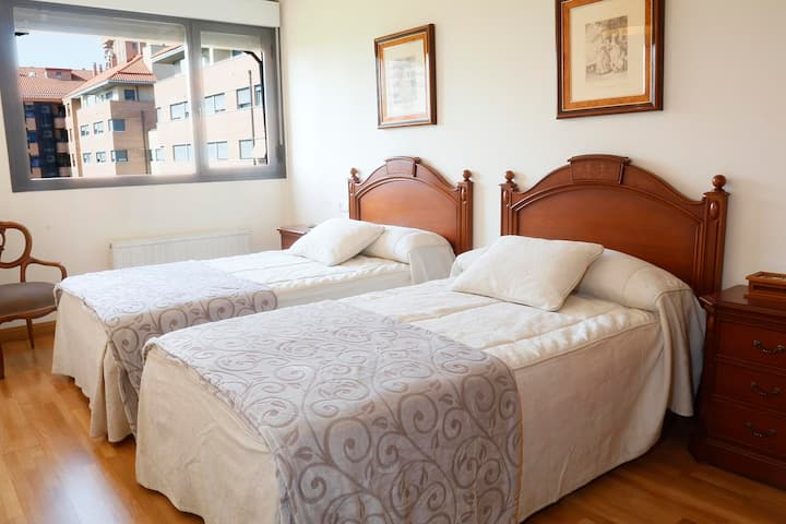 Apartamento 4 personas + parking +internet(fibra)