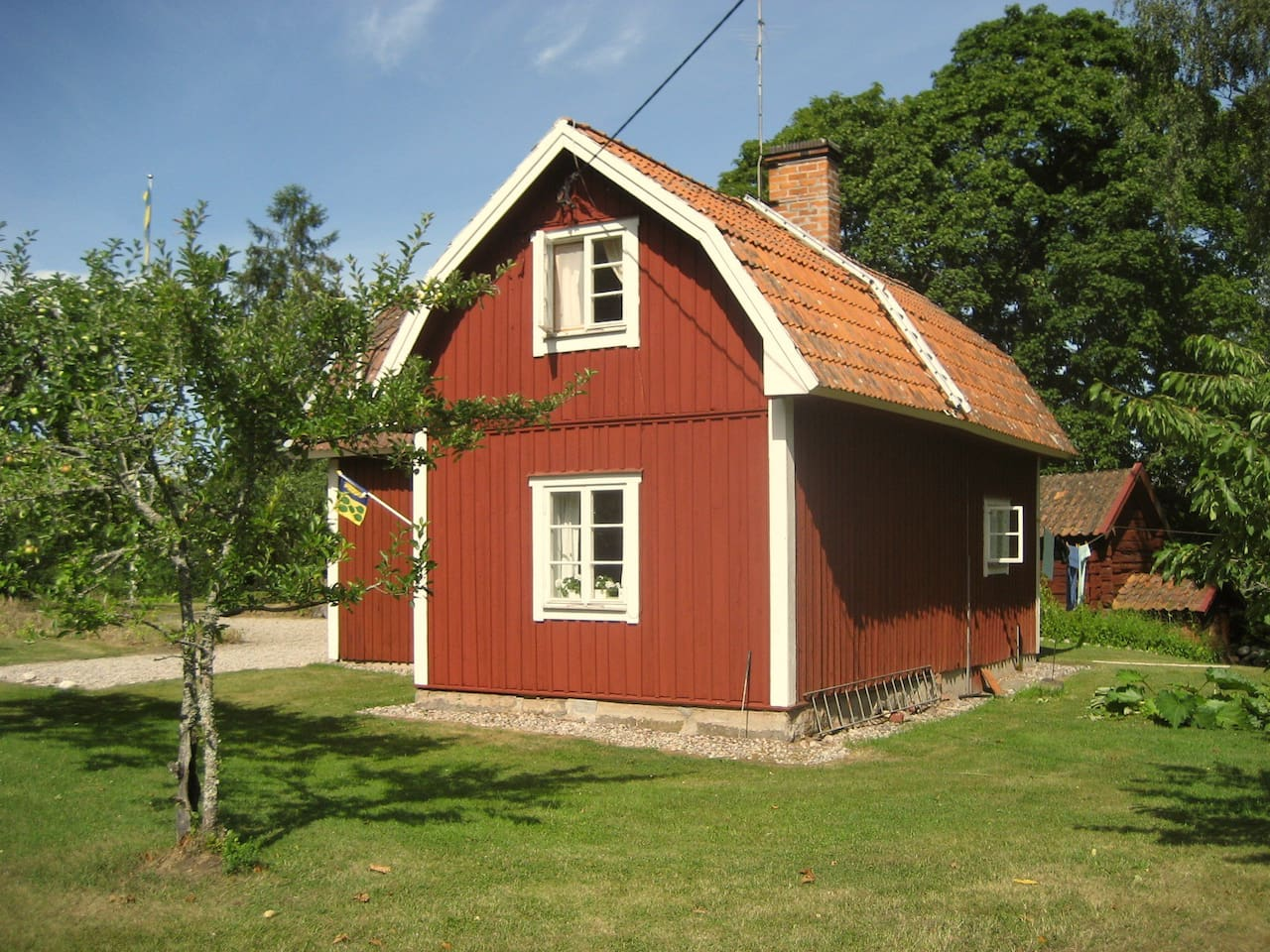 Charming cottage at lake Mälaren