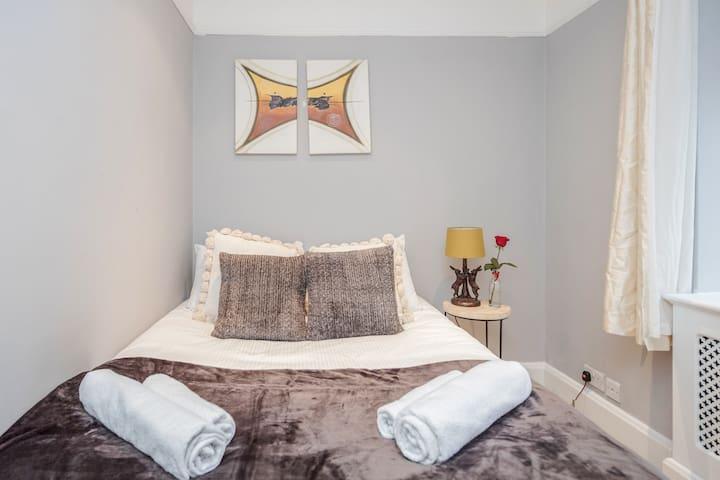 Elegant 2 bed apartment in Marylebone