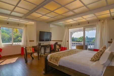 Premier  Luxury River view Private room @ Siolim - Siolim - Bed & Breakfast