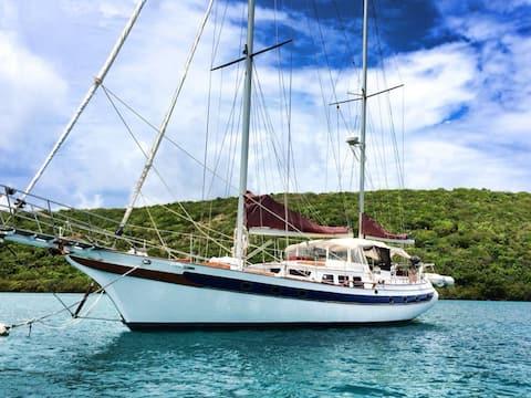 St Thomas BnB Yacht meals drinks kayak SUP snorkel