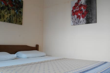 Good Bed & A/C & HD-TV & Breakfast & Fridge &more! - Olon