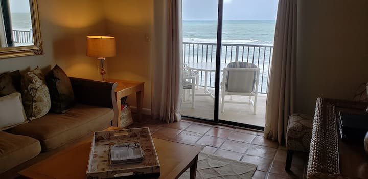 Stunning Updated Oceanfront 2 Bedroom - 516