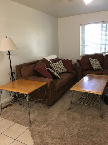 Cozy Cache Condo- close to USU, Temple, downtown