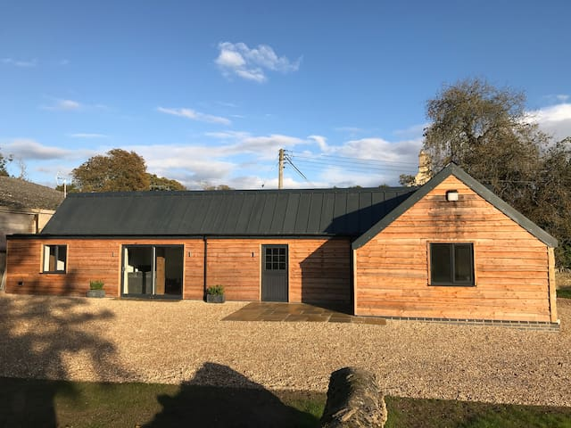 Stylish Barn Conversion - The Bull Pen