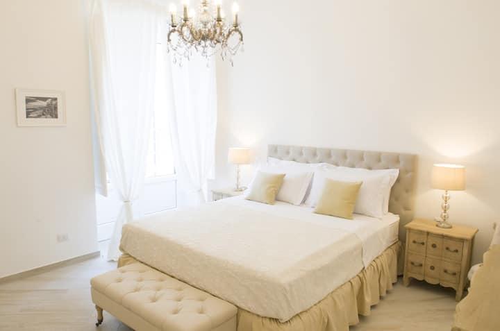 Deluxe Room in city heart at Palazzo Spasiano