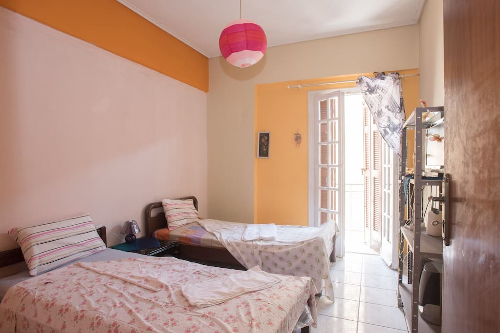 kalamata singles Deluxe garden view guest room, 2 twin/single bed(s), balcony check rates  deluxe sea room deluxe sea view guest room, 1 king, sofa bed, balcony.