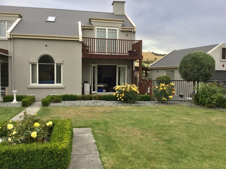 Wither hills  Farm View luxury Home stay Room 1