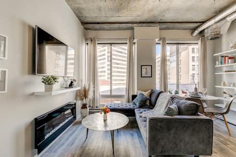 Fully Renovated Artist's Loft in the Heart of YEG