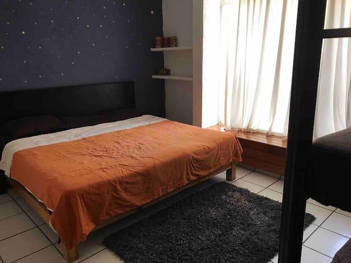 Habitación hasta para 5 con baño compartido