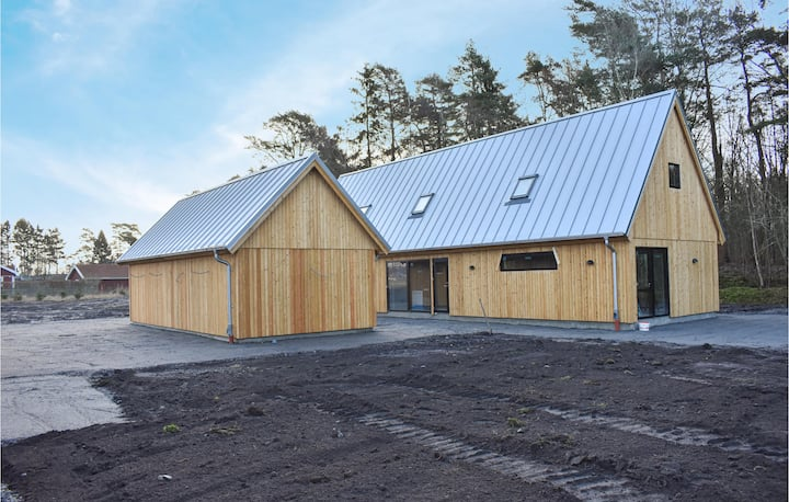 Stunning home in Ystad with WiFi and 4 Bedrooms
