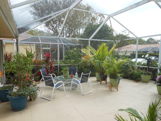 gardens and lanai