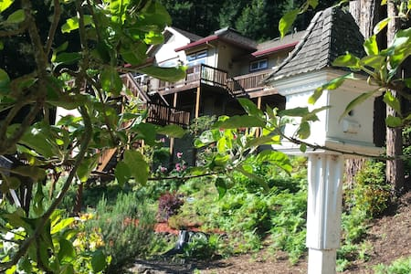 Mountain View Retreat near River - Guerneville - Maison
