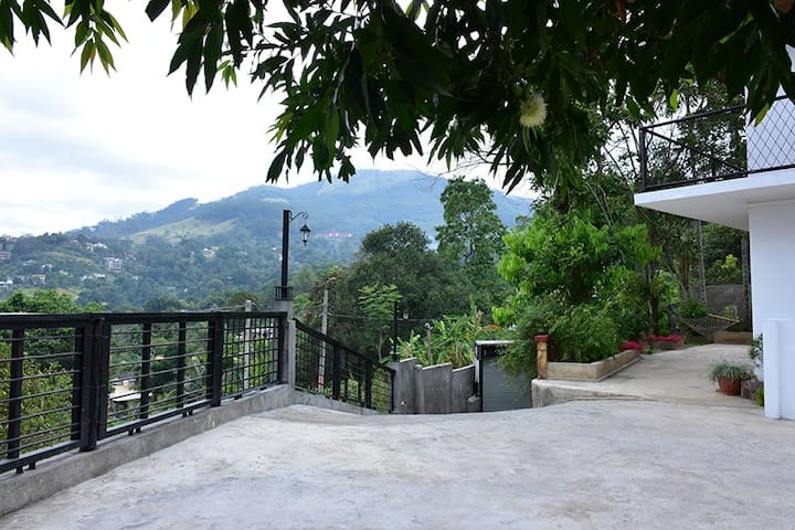 Lemongrass Inn - Peradeniya - Bed & Breakfast
