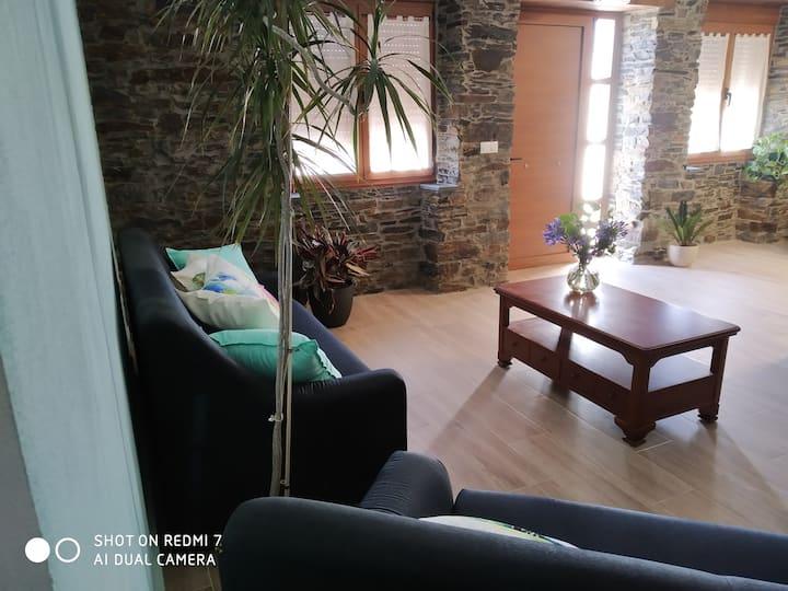 Habitación familiar en el occidente asturiano.