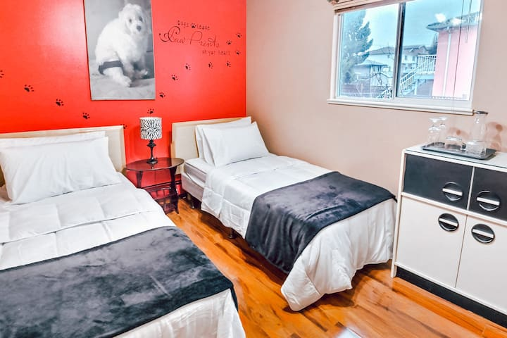 Centrally Located in Joyce! Cozy & Private Room #3