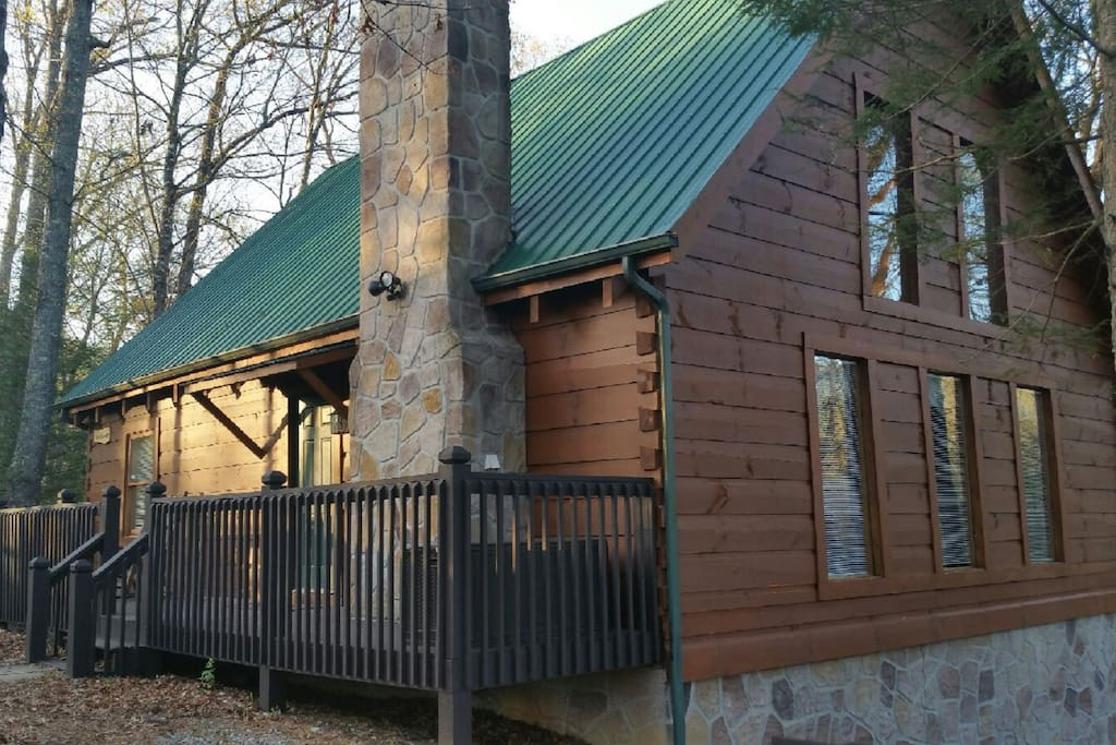 Side and front view of the cabin