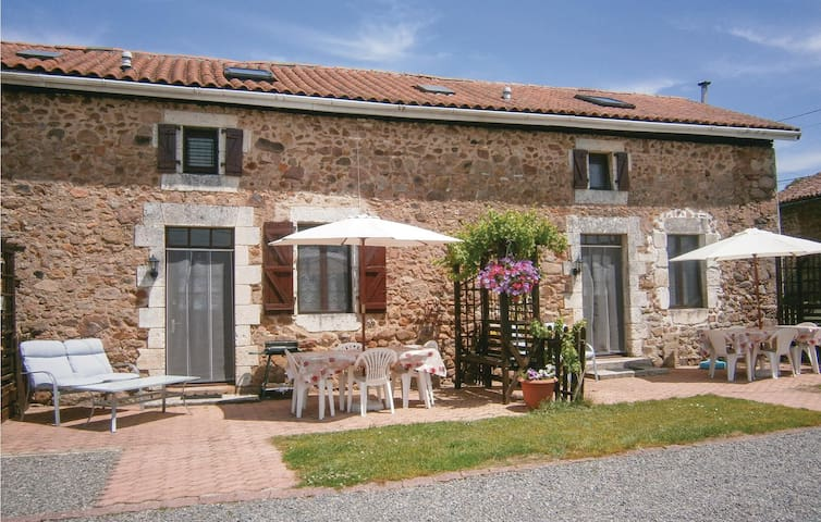 Semi-Detached with 2 bedrooms on 58 m² in Chirac
