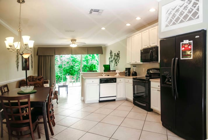 Lovely Orlando Villa-2Bedrooms/2.5 Baths- C