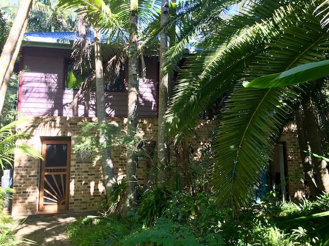 Lizzie's Treehouse