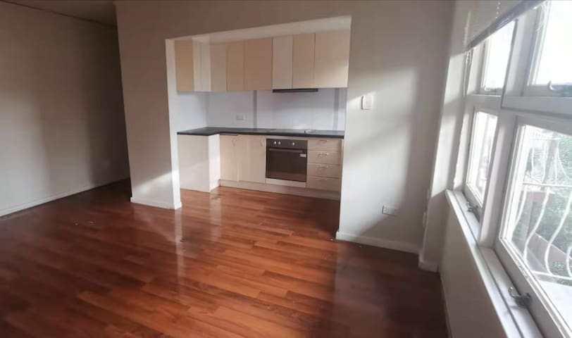 Cheap room in Kingsford, Sydney