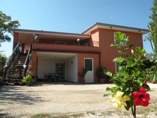 Capo Comino , casa vacanze 5 posti letto - Siniscola