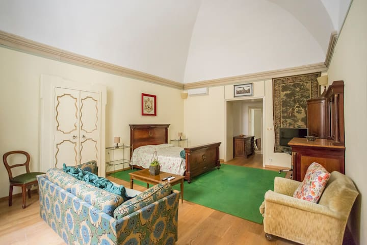 ★Suite Arditi ✔Old Town ✔WIfi & AC ✔Historic House