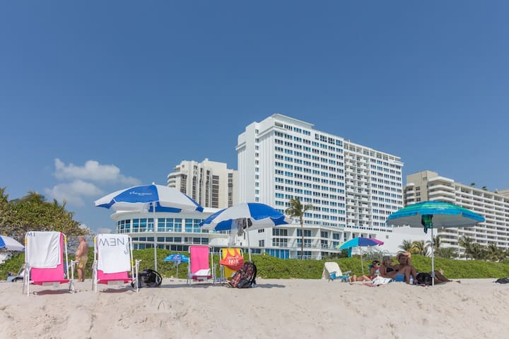 Beachfront condo with ocean views, a resort pool, tennis & fitness center!