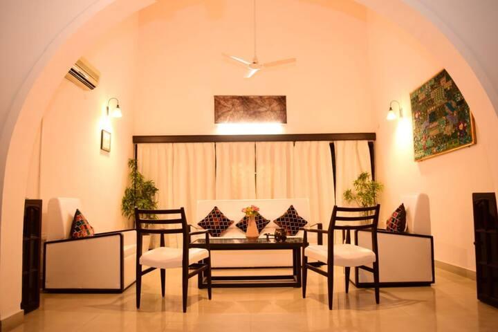 Spacious Private room in Arera colony