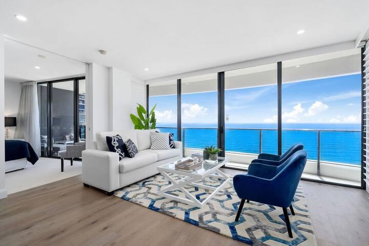Luxurious level 35 Ocean Suite Panoramic Views