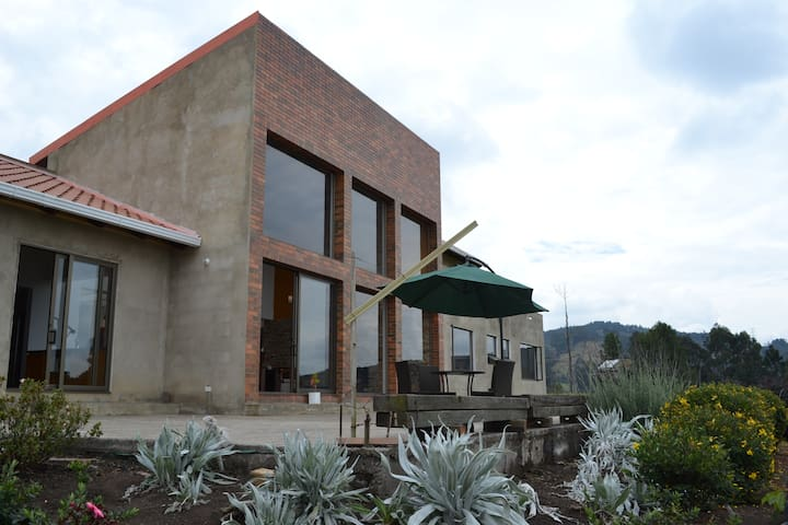 Paramo Home - Guasca Colombia - Guasca - Bed & Breakfast