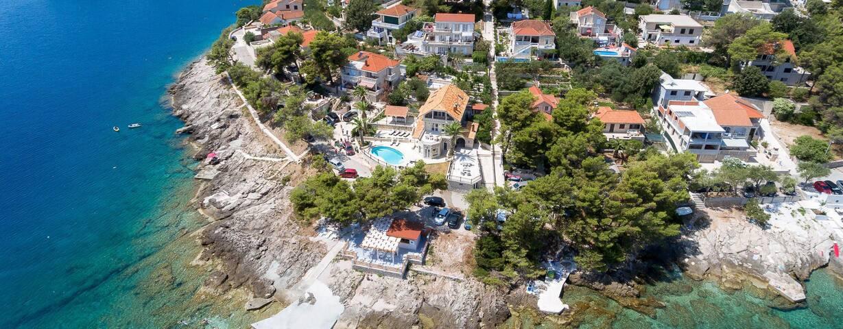 Luxurious Villa Nepos, Sumartin, on Brač island