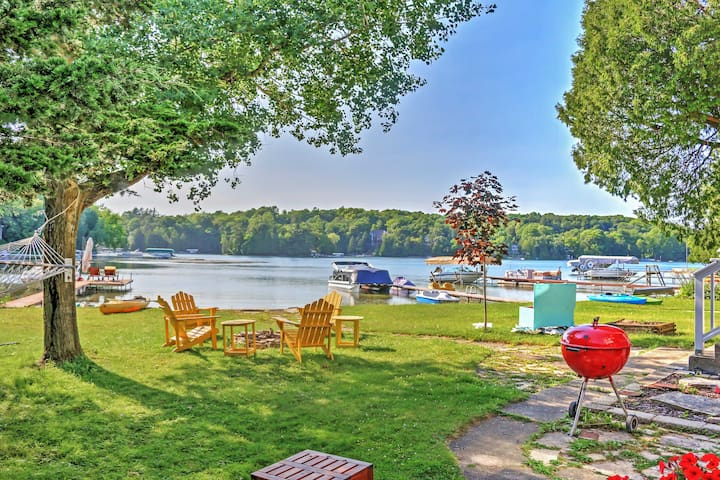 NEW! Bright 4BR Plymouth Cottage on Crystal Lake