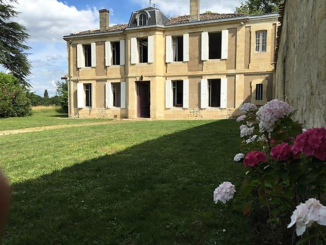 Château Sorbède - Montussan - Villa