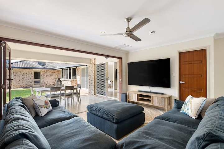Enjoy Fully Equipped Luxe BeachRetreat PetFriendly