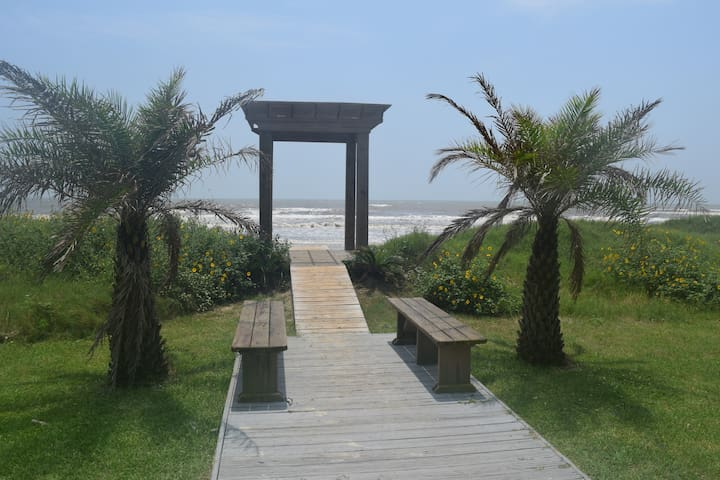 Dune Walkover, Benches and Pergola