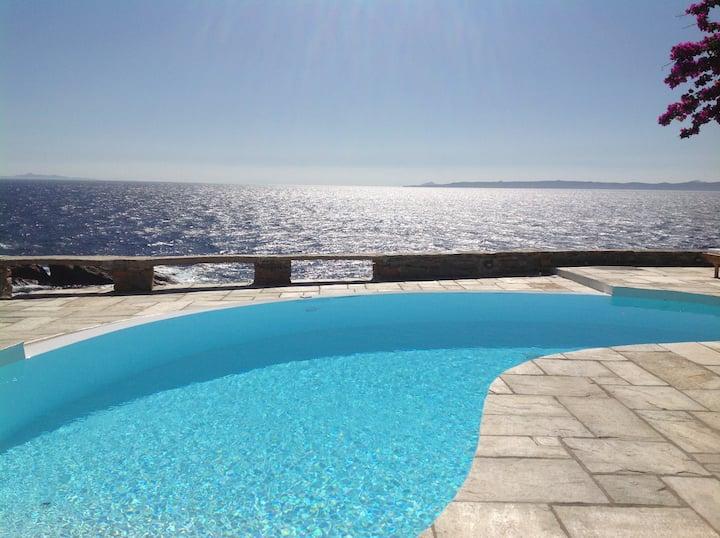 Luxury Waterfront Villa ,Kea