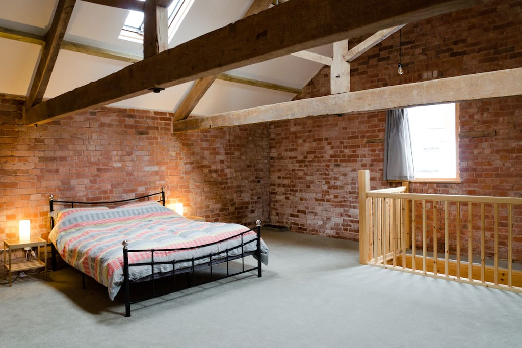 Kingsize bed with plenty of space upstairs
