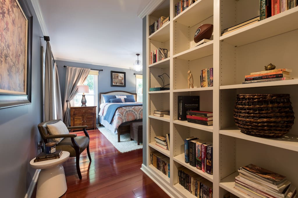 Entrance leading to the master bedroom. Choose a book to enjoy in this tranquil space.